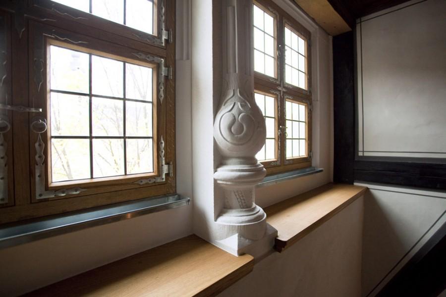 Heinrich-Schütz-Haus Weißenfels | Wiederhergestellte Doppelfenster mit Ziersäule in der Komponierstube