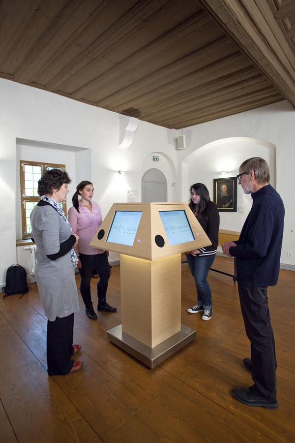 "Heinrich-Schütz-Haus Weißenfels | Enjoy our ""singing music stand"", a special audio installation"
